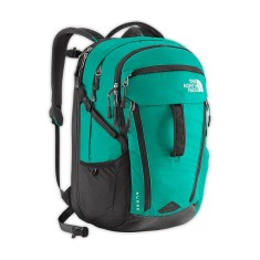 Foto Mochila The North Face com Compartimento para Notebook Surge Feminina CLH1BSTUNI